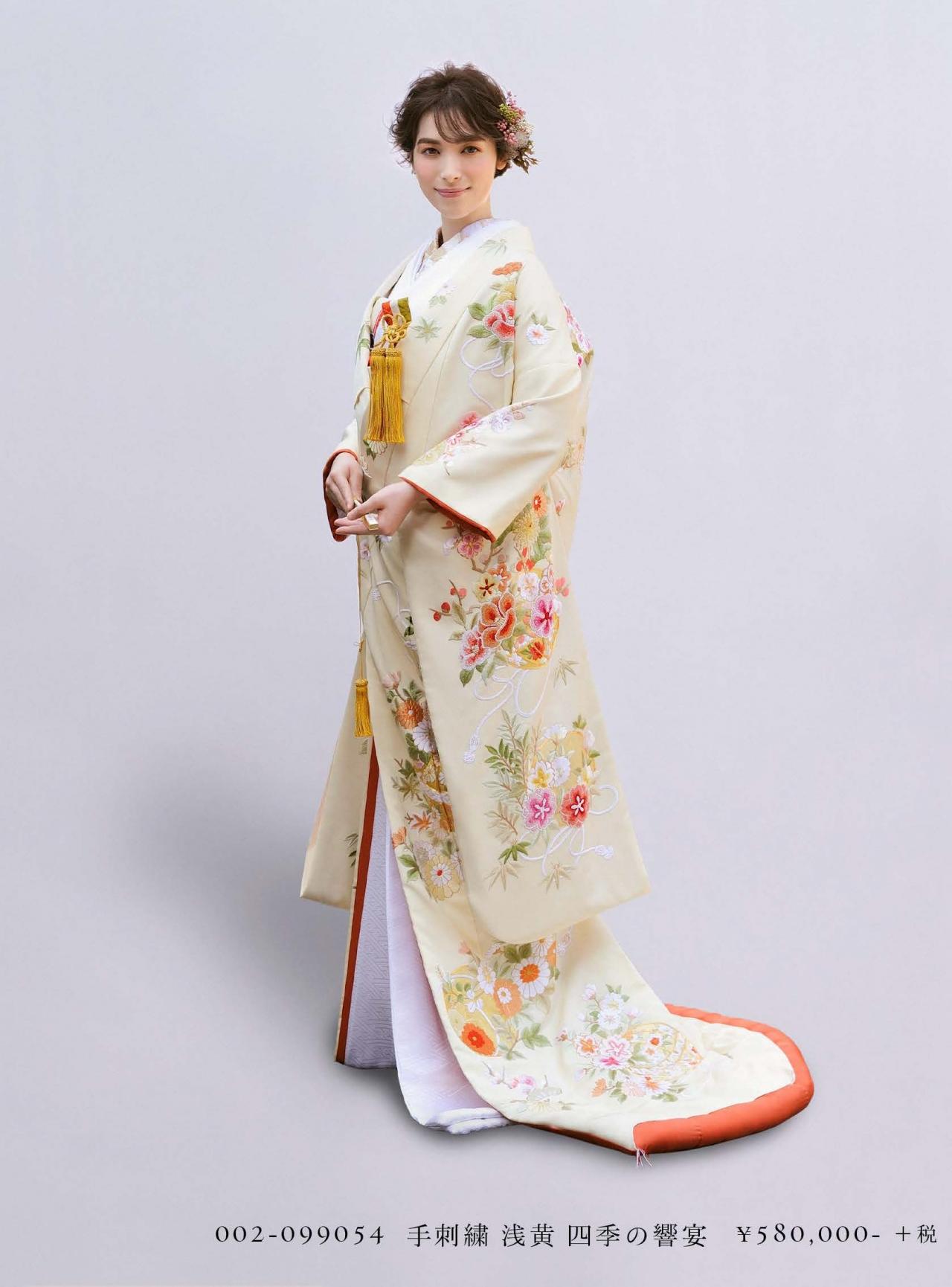 手刺繍 浅黄 四季の饗宴(てししゅう うすき しきのきょうえん)
