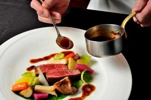 【週末・祝日ブライダルフェア】料理重視派に◎フォワグラ付き牛フィレ肉コース料理試食が楽
